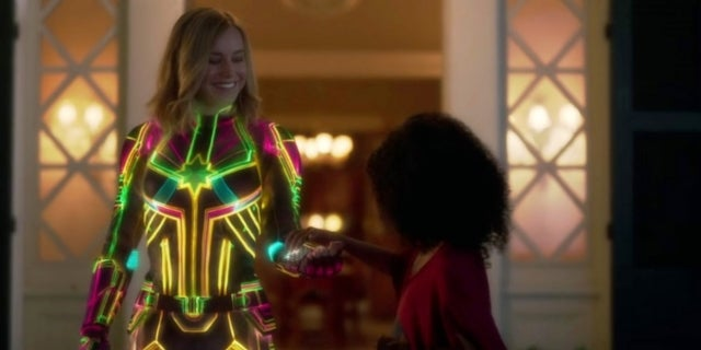 Captain-Marvel-Costume-Neon