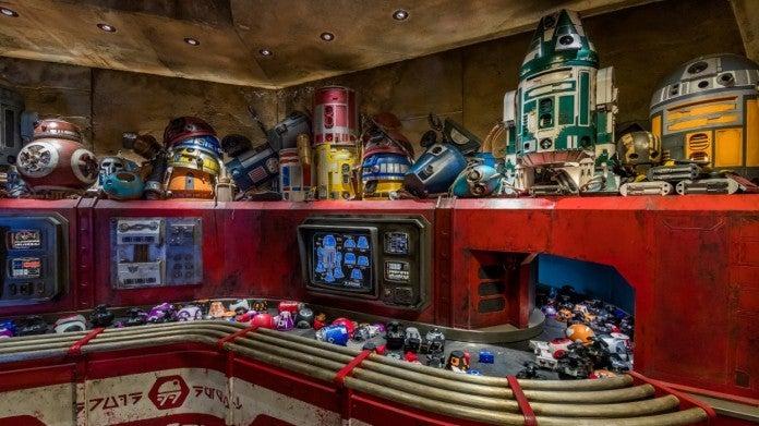 Droid Depot Joshua Sudock Disney Parks