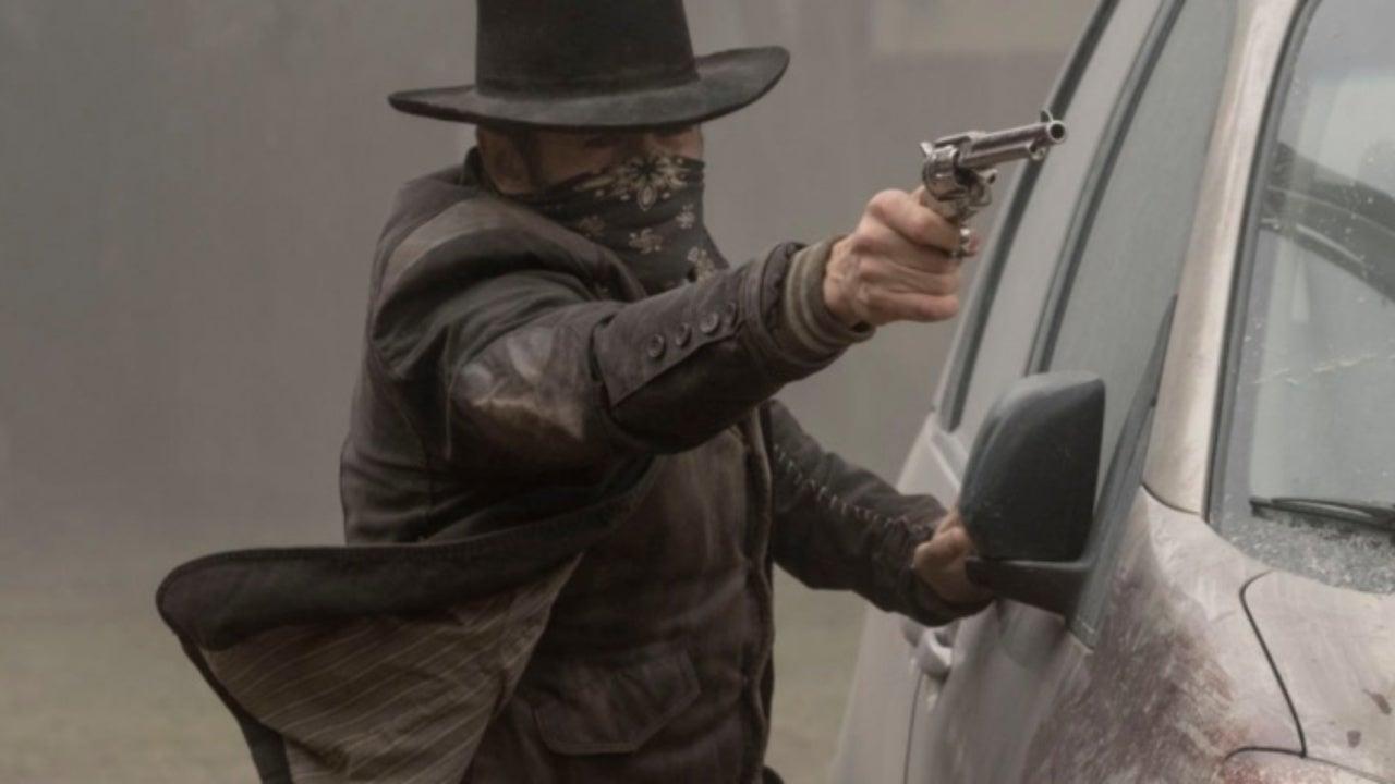 Fear the Walking Dead Showrunners Explain John Dorie's Nearly Impossible Trick Shot