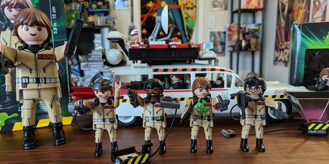 Ghostbusters-Playmobil-Figures-Ecto-1-1