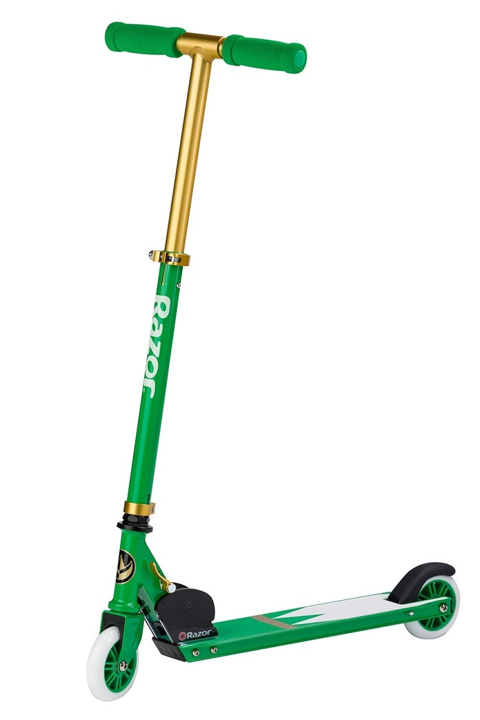 Hasbro-Power-Rangers-Green-Ranger-SDCC-Razor-Scooter-2