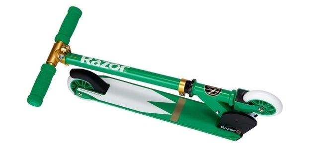 Hasbro-Power-Rangers-Green-Ranger-SDCC-Razor-Scooter-Folded-2