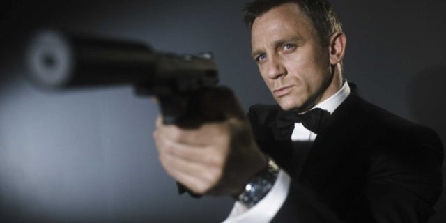 Daniel Craig Makes Stunning Return to James Bond After Injury
