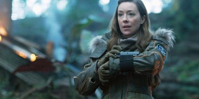Molly Parker On How Deadwood Set The Stage For Lost In Space-5053