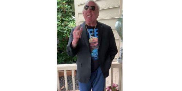Watch: Ric Flair Apologizes to Shawn Michaels for Calling Him Out