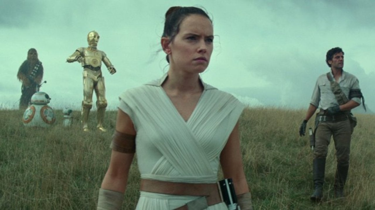 This Star Wars Fan Theory Changes Everything About The Episode IX Trailer