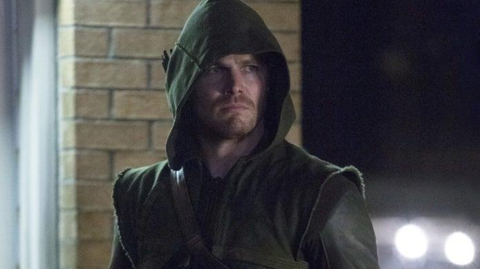 arrow season 1 suit