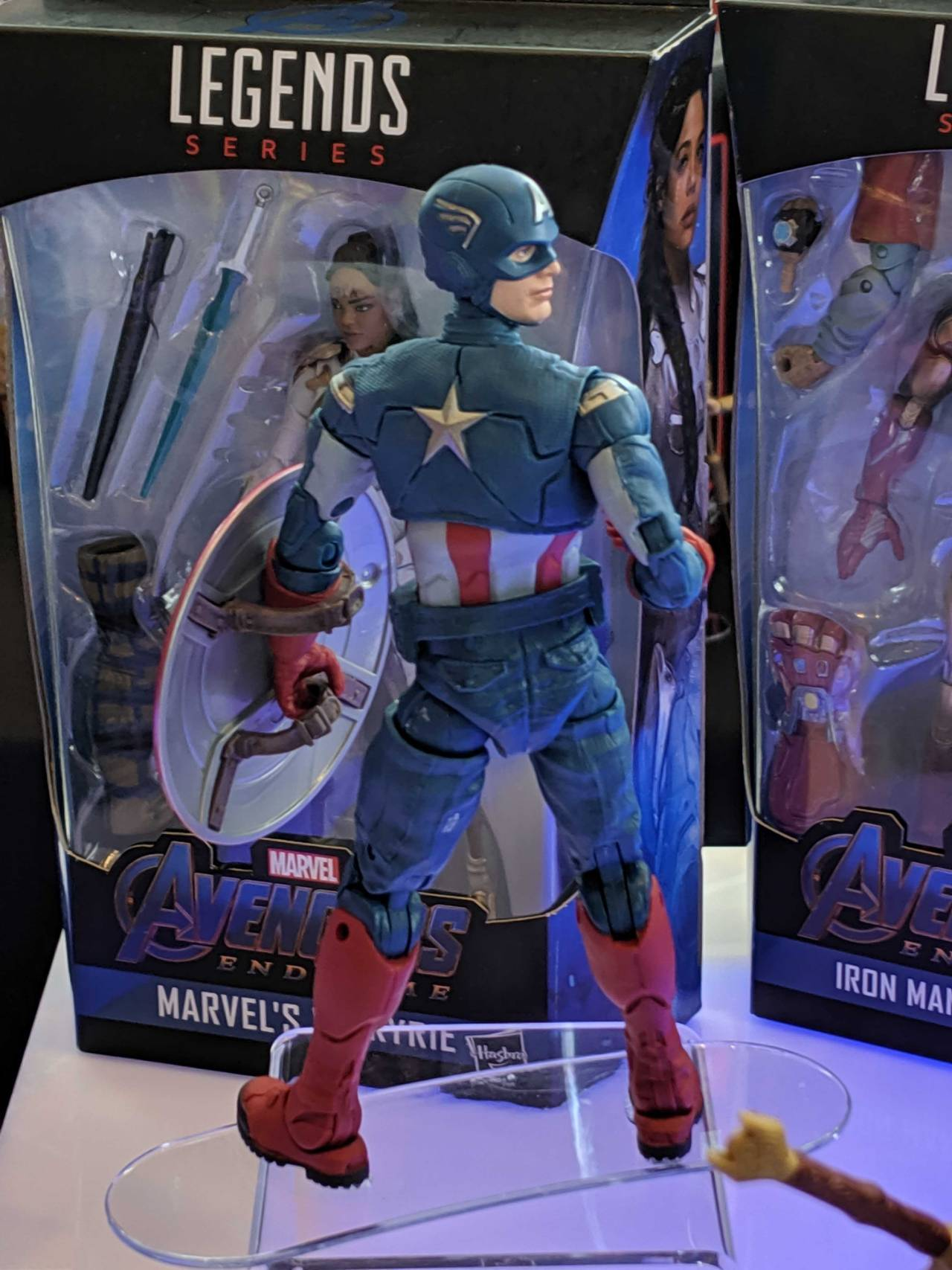 captain-america-marvel-legends