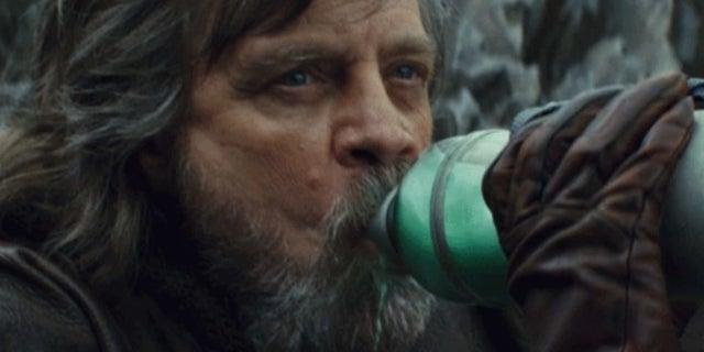 Mark Hamill Reveals What the Green Milk From Star Wars: The Last Jedi Tastes Like