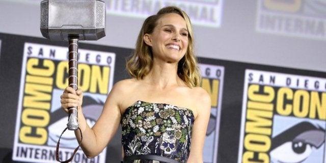 Natalie Portman Thor Mjolnir Comic-Con 2019
