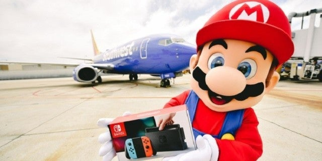 Southwest Airlines Gives Out Nintendo Switches and Super Mario Maker 2 to Everyone on Flight