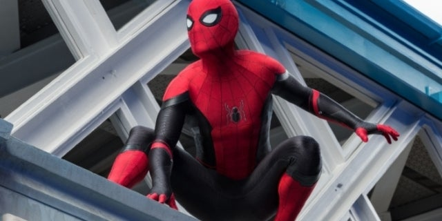 Spider-Man Far From Home black red suit