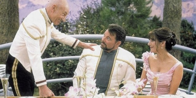 Star Trek: Picard's Jonathan Frakes Confirms Riker and Troi Still Together in 'Non-Military' Situation in New Series
