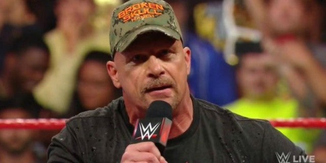 'Stone Cold' Steve Austin Closes out WWE Raw Reunion With a Toast