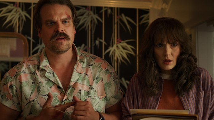 stranger things season 3 joyce hopper david harbour winona ryder