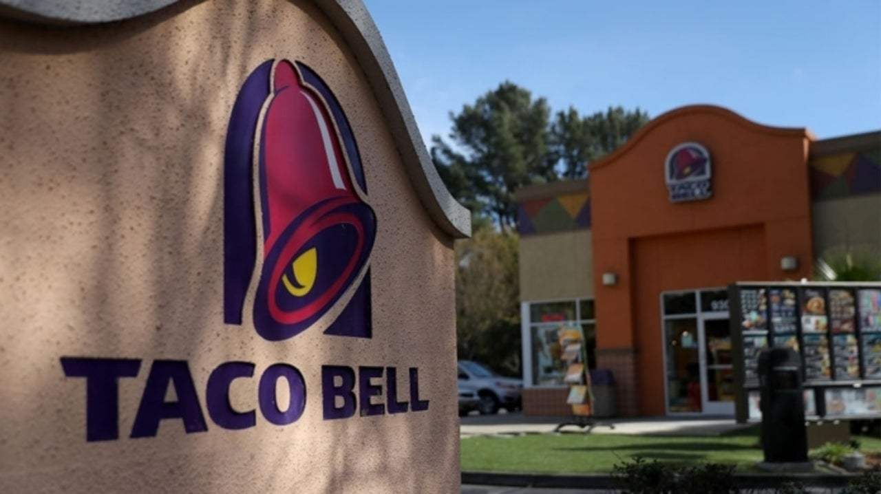 Couple Sues Taco Bell After Being Overcharged $2.18