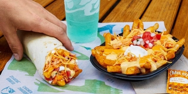 Taco Bell Introduces New Buffalo Chicken Nacho Fries