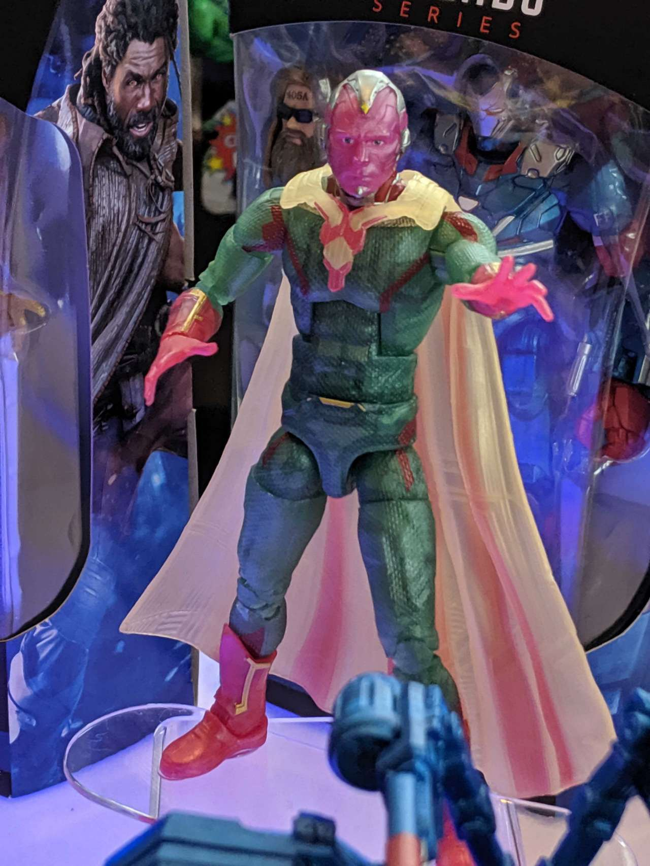 vision-marvel-legends