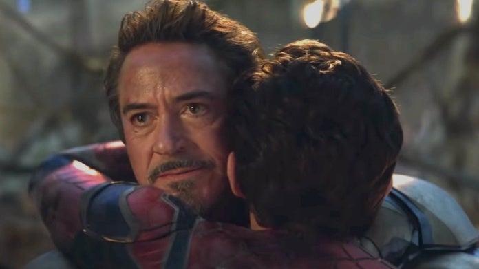 Avengers Endgame Tony Peter hug