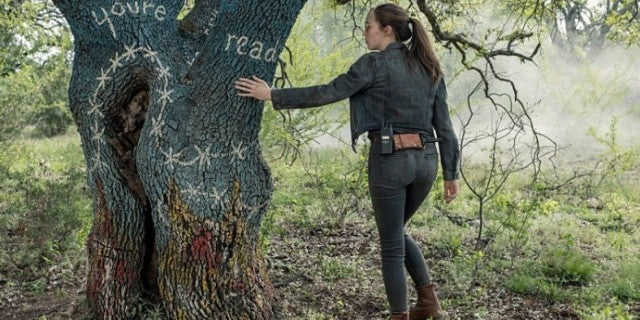 Fear the Walking Dead tree Alicia Clark