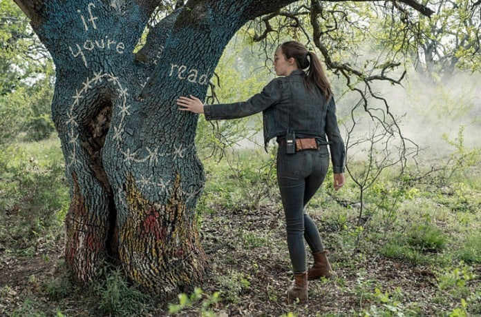 Fear the Walking Dead tree Alicia Clark