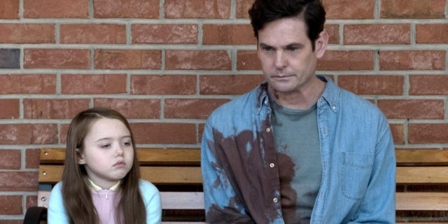 haunting of hill house henry thomas