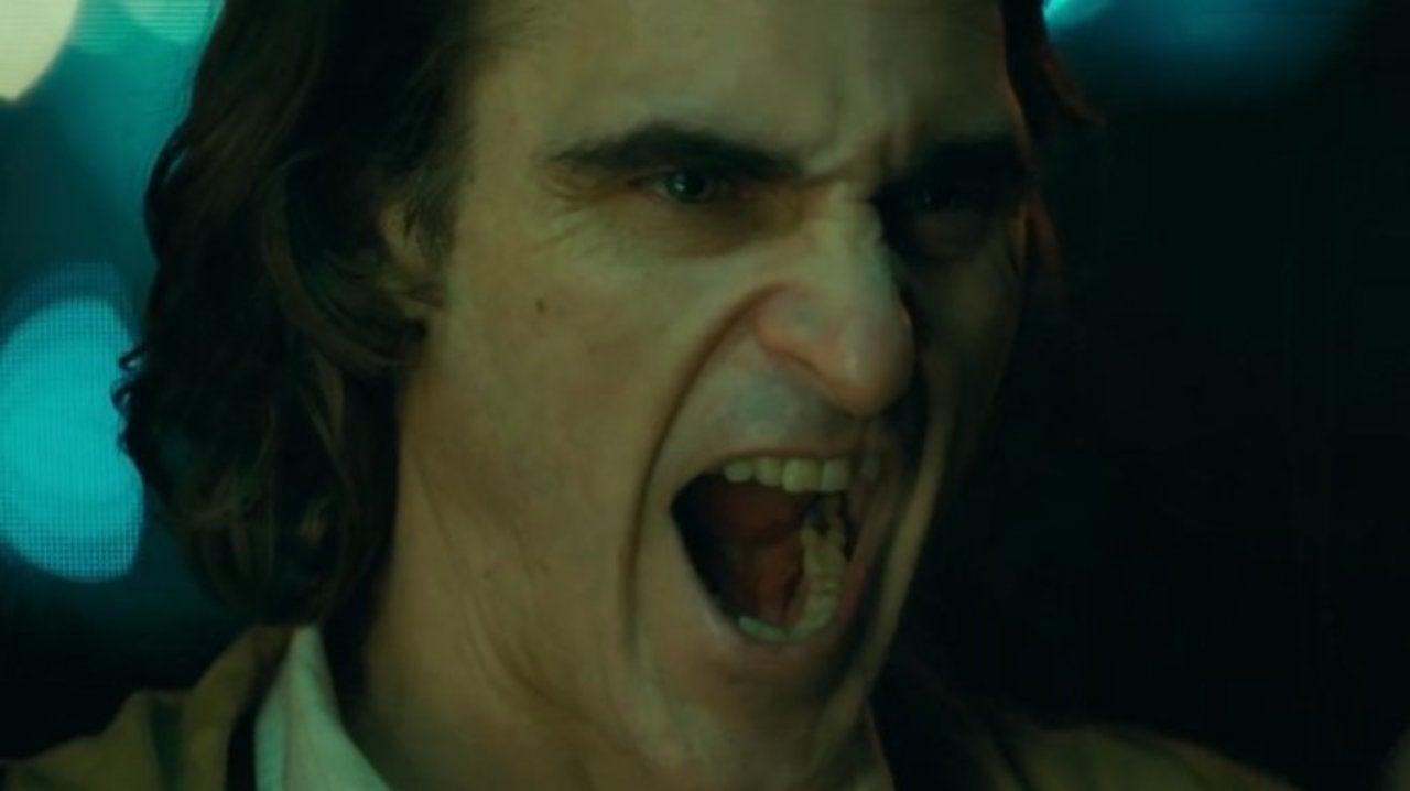 Joker Using Negative Reviews to Promote the DC Comics Movie