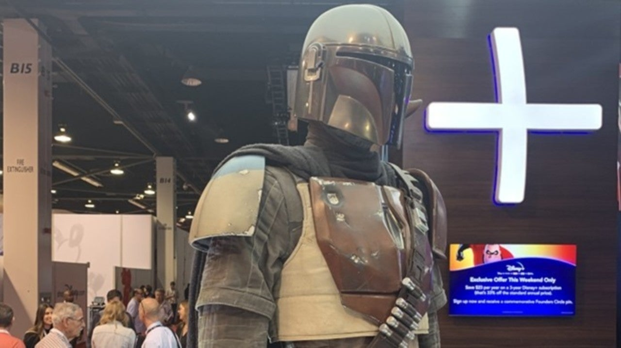 D23 Expo Reveals Up Close Look at The Mandalorian Costume
