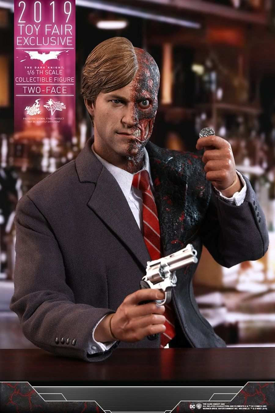 The Dark Knight Rises Two-Face Hot Toys 02