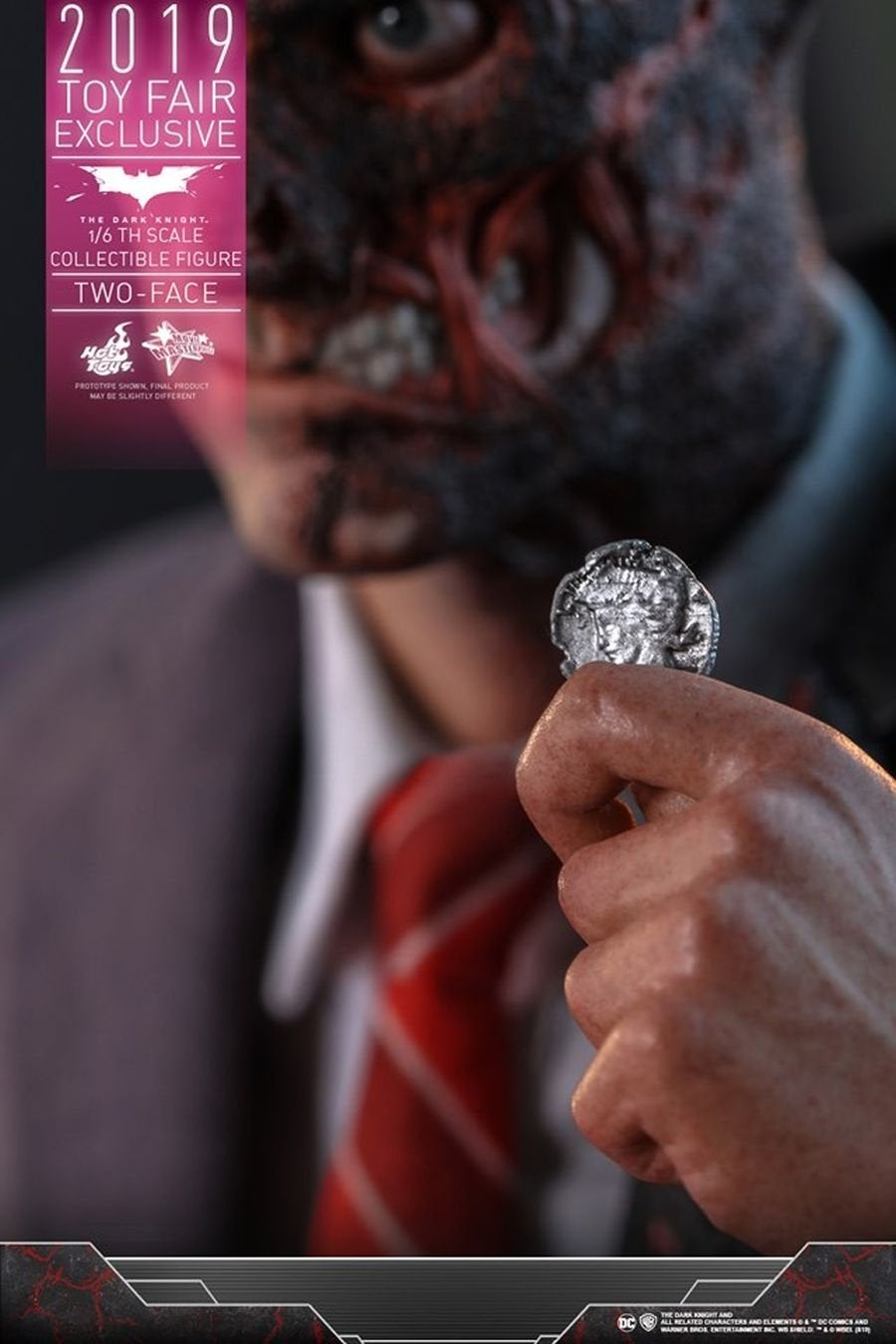 The Dark Knight Rises Two-Face Hot Toys 05