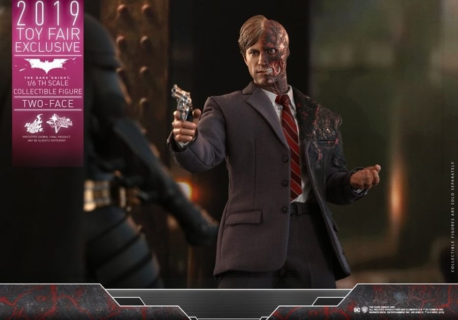 The Dark Knight Rises Two-Face Hot Toys 10