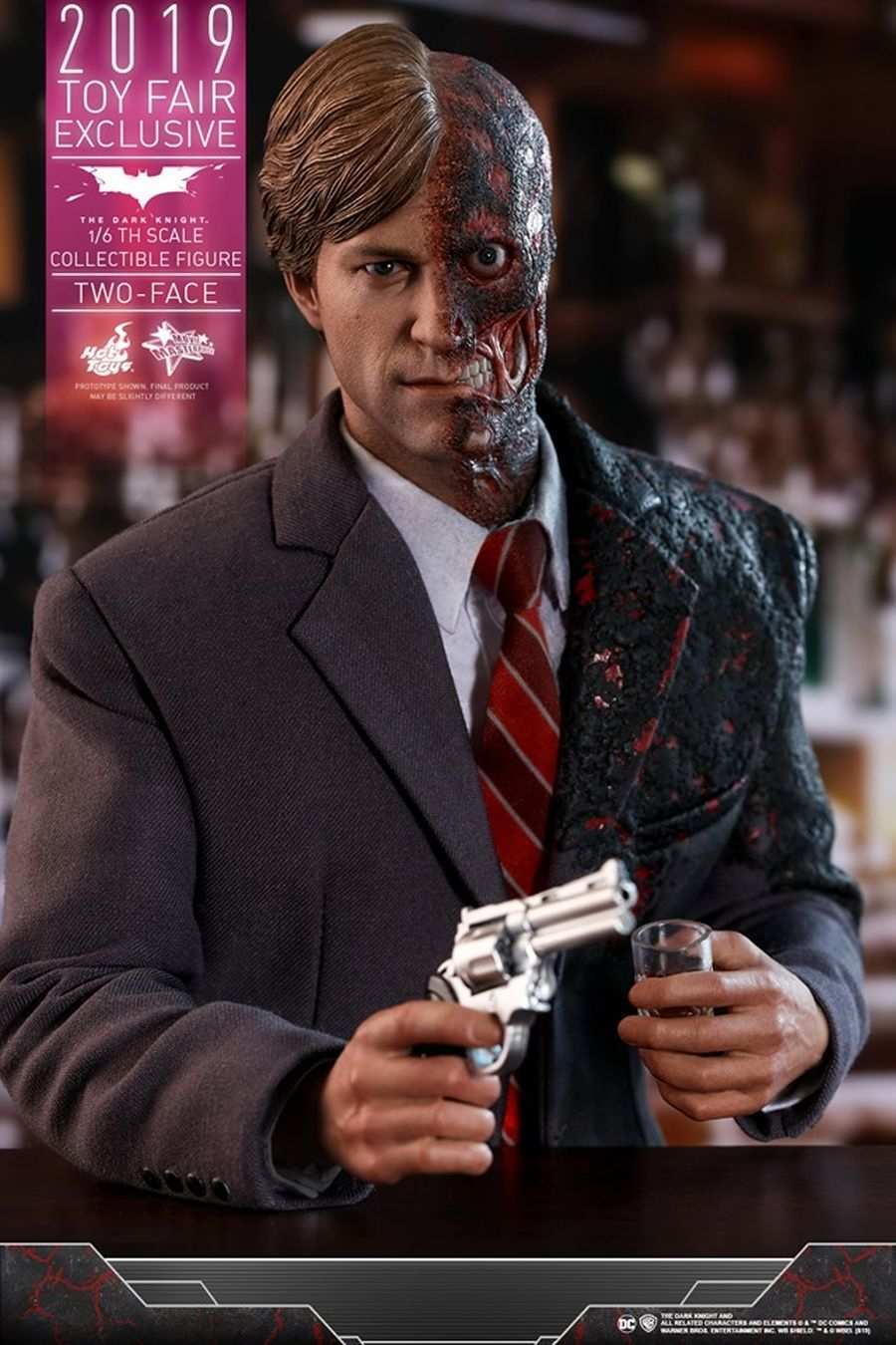 The Dark Knight Rises Two-Face Hot Toys 11