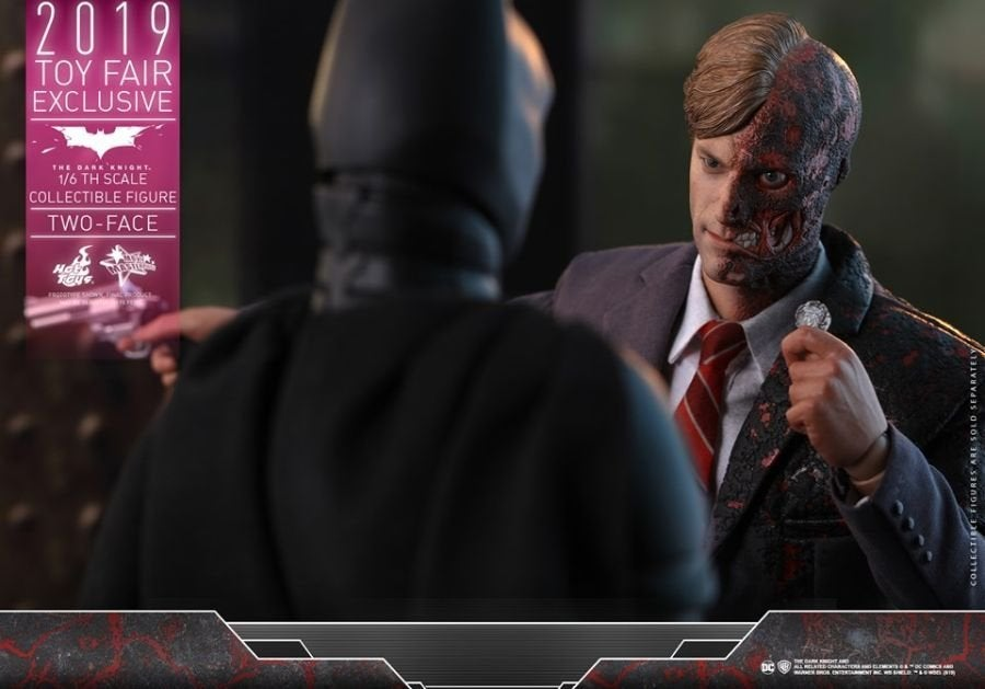 The Dark Knight Rises Two-Face Hot Toys 14