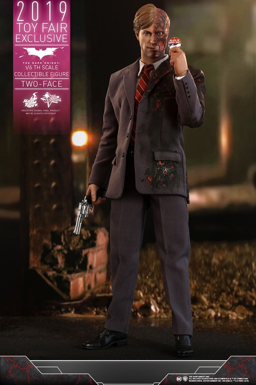 The Dark Knight Rises Two-Face Hot Toys 17
