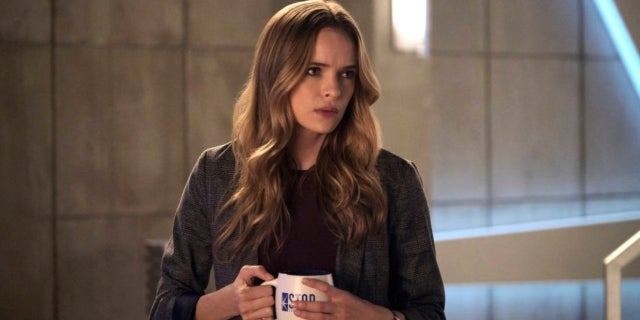 The Flash Photos Reveal New Look at Danielle Panabaker's