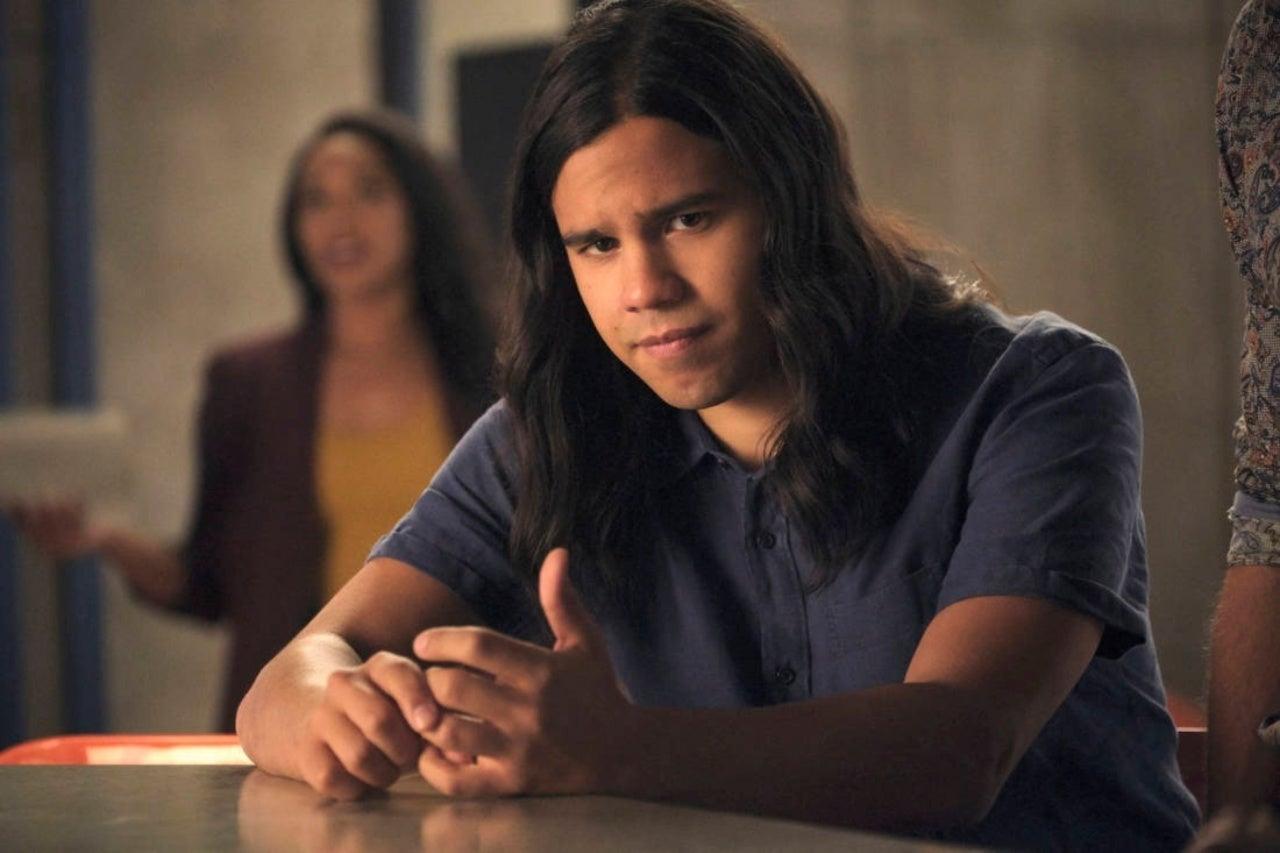 Carlos Valdes Says The Flash Season 6 Grows up and Gets Real
