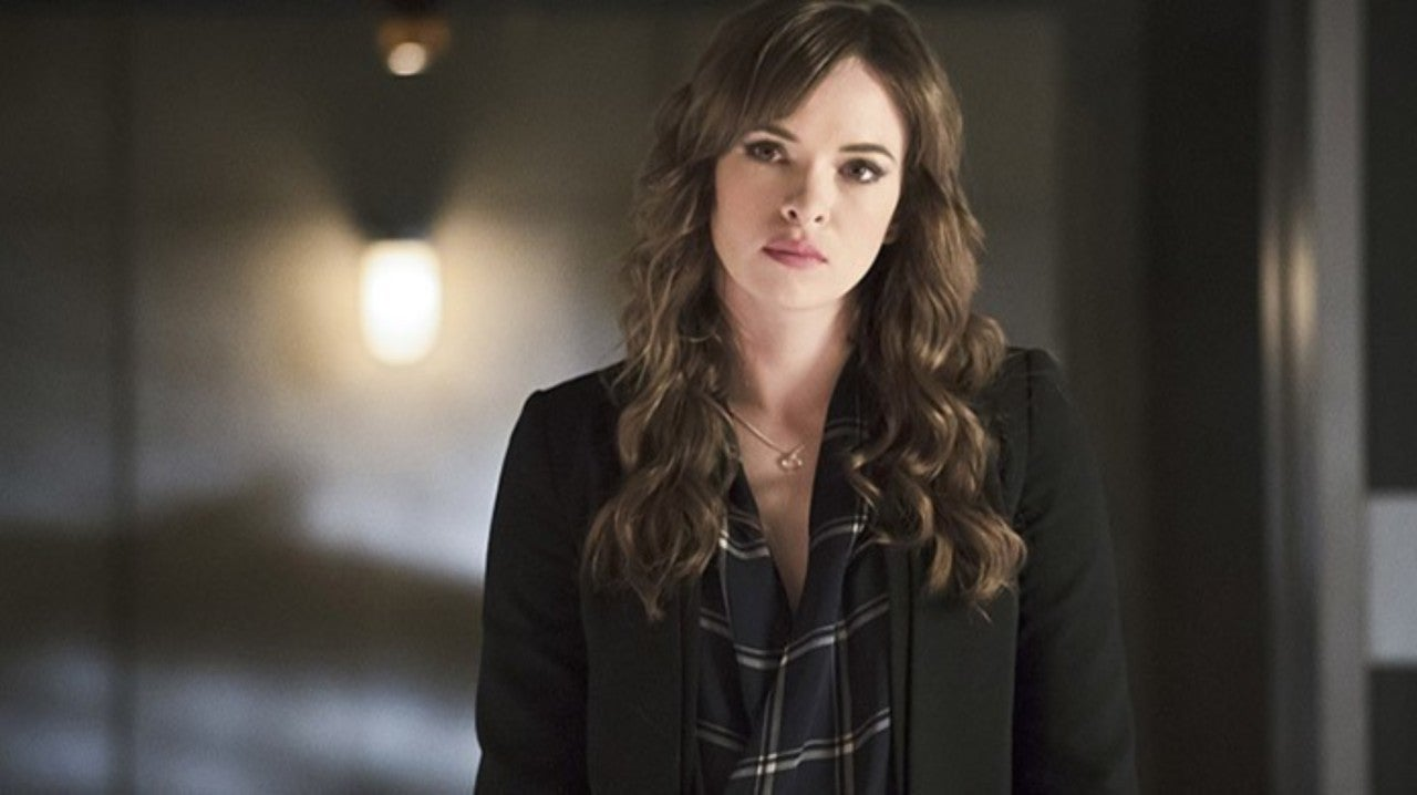 The Flash: Danielle Panabaker Shares Behind-the-Scenes Photo