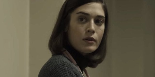 Here's How Lizzy Caplan Scored the Part of Annie Wilkes in Castle Rock