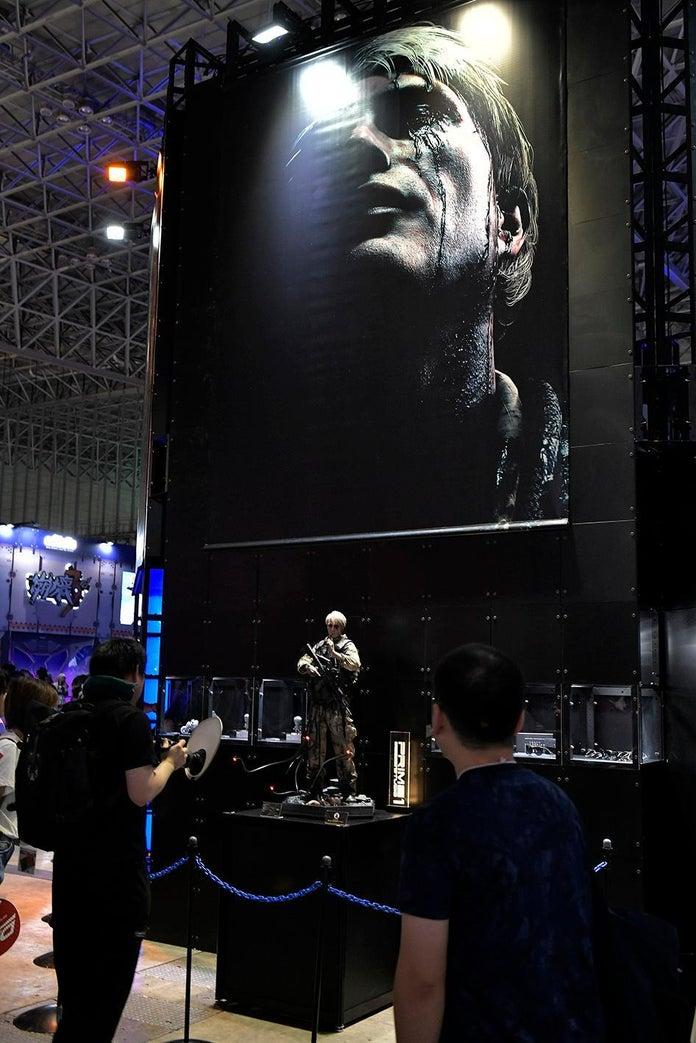 Death-Stranding-Prime-1-Studio-Tokyo-Game-Show-Cliff-2