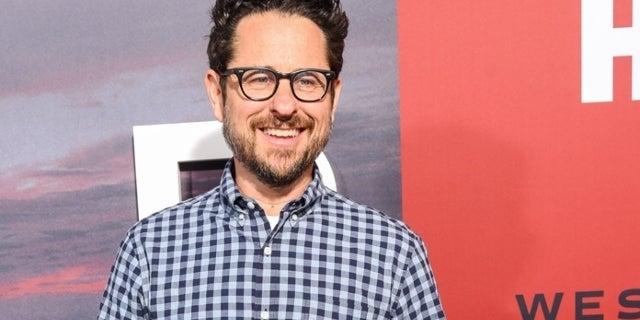 "J.J. Abrams Chose Warner Bros. Over Apple Because of ""Deep Bench"" of Properties"
