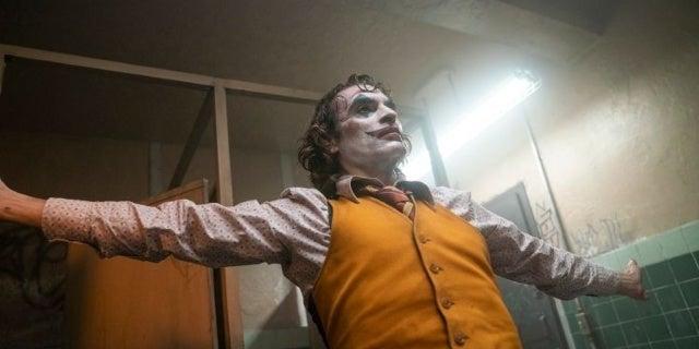 New Joker Photos Showcase Joaquin Phoenix, Robert De Niro, Zazie Beetz, and More