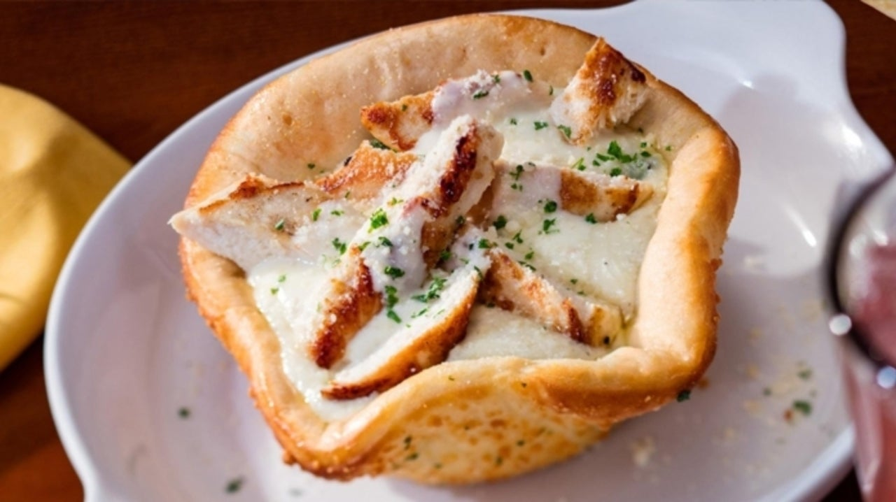 Olive Garden Gets in the Bread Bowl Game with Chicken Alfredo Pizza Bowl