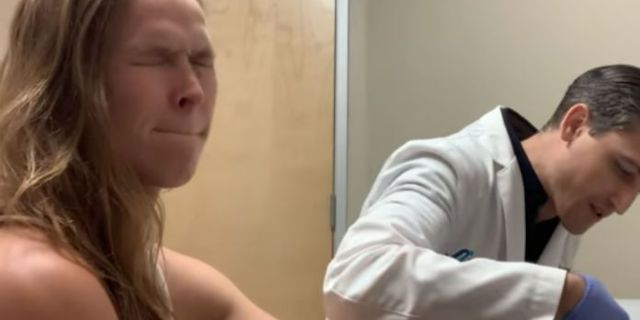 Watch: Ronda Rousey Gets Her Stitches Removed After Nasty Finger Injury