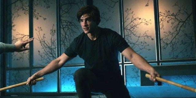 Titans Star Brenton Thwaites Reveals Why Nightwing Debut Is Delayed