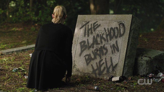 black-hood-burns-in-hell-riverdale