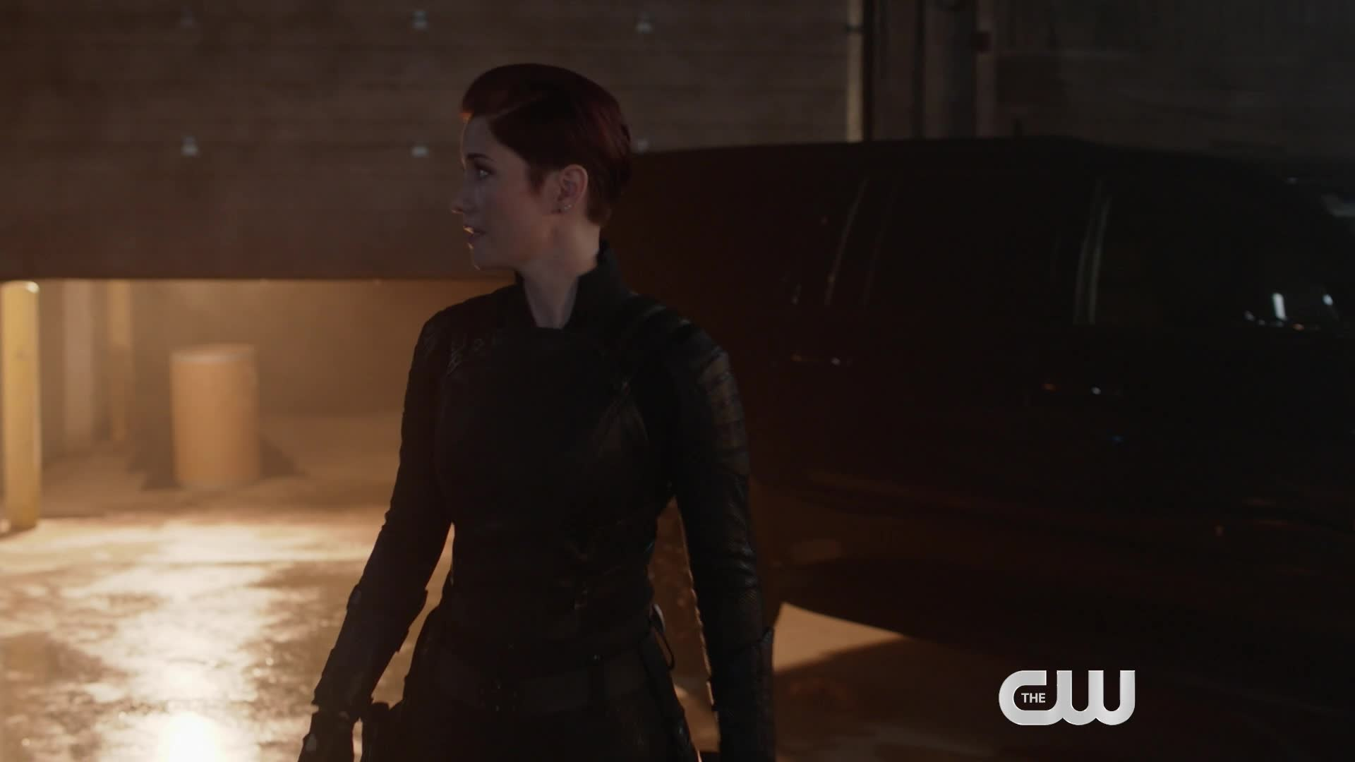 Exclusive Supergirl Clip: Midnight Sets a Trap screen capture