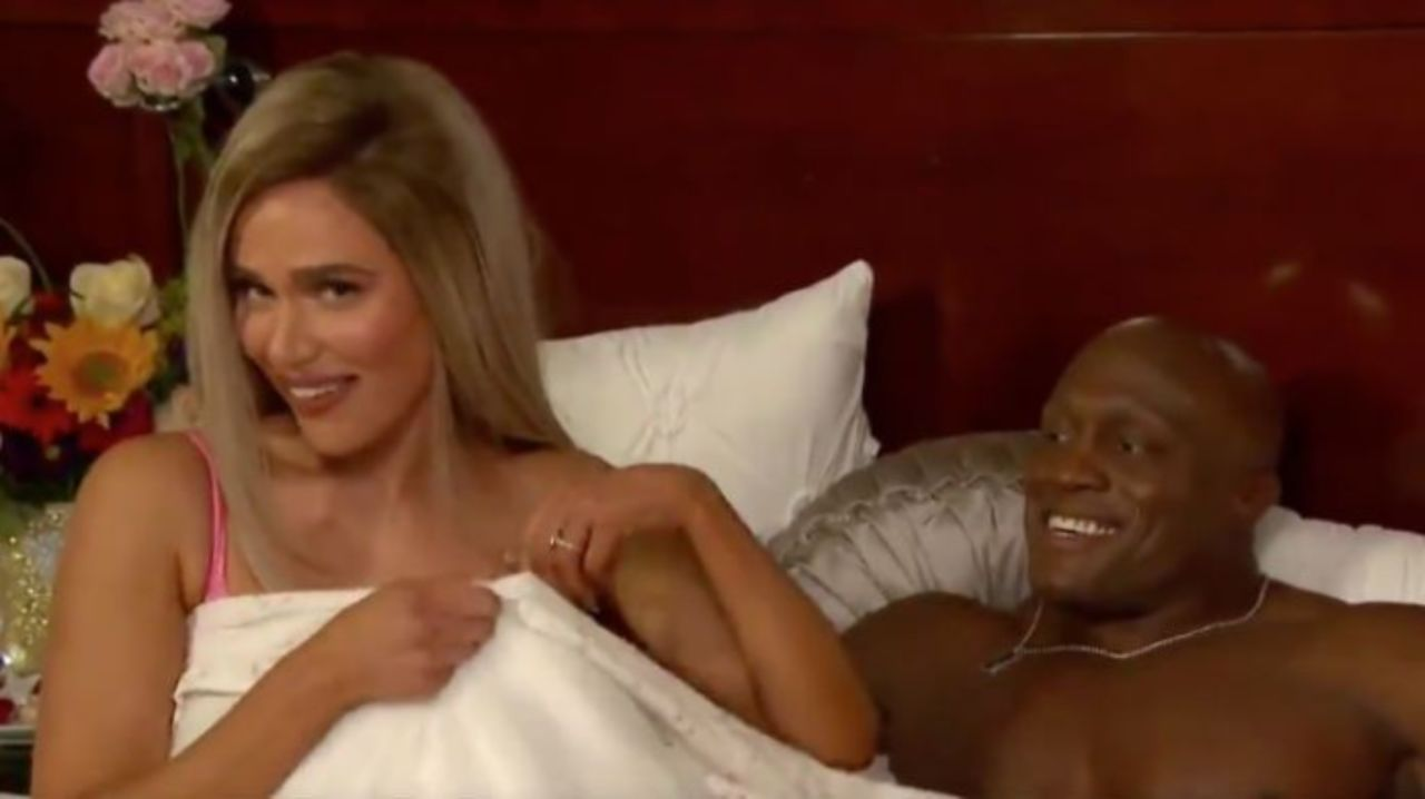 Wife sex friend video