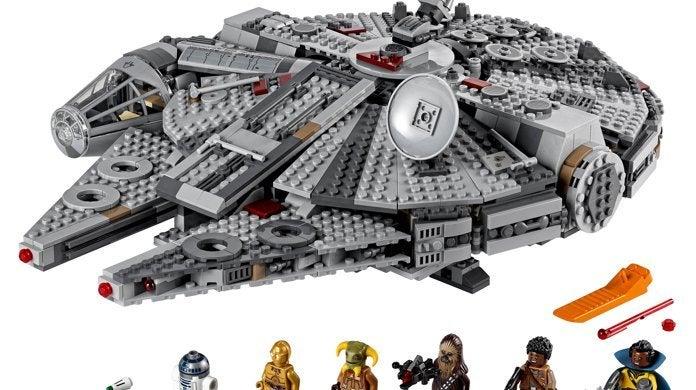 lego-millennium-falcon-triple-force-friday-top
