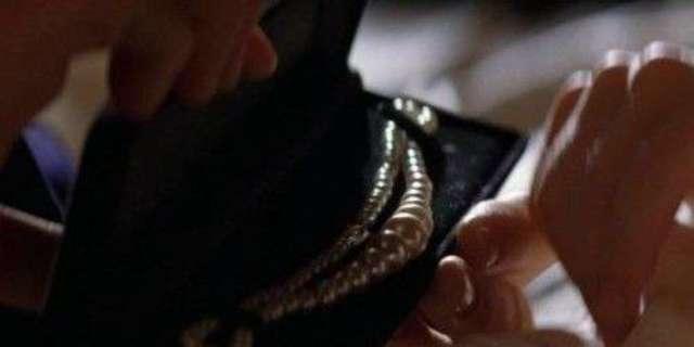 The Batman: Comics Writer Gail Simone Has An Ingenious Plan For Robert Pattinson's Costume