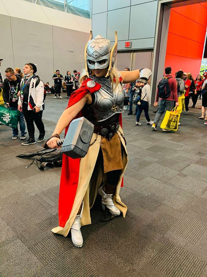 NYCC-Cosplay-Marvel-Thor